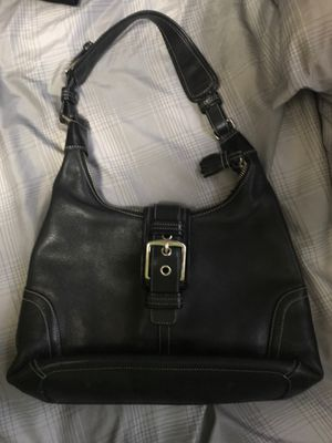 Authentic leather coach medium leather shoulder bag for Sale in Taylor, MI