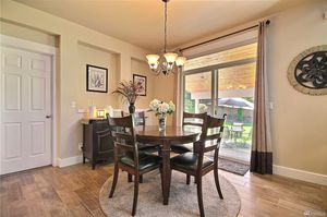 Dining room chandler for Sale in Bonney Lake, WA