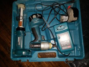 Makita drill and led light set for Sale in New York, NY