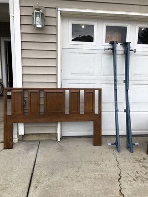 Queen / Full Size Bed Frame for Sale in Vancouver, WA