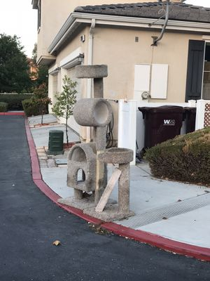 CURB ALERT - Cat Stand/Tree for Sale in Moreno Valley, CA