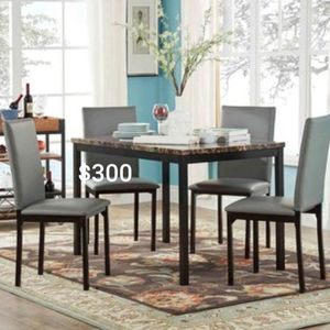 Dining table for Sale in Franklin, TN