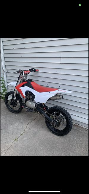 125 dirt bike 950 firm for Sale in Detroit, MI