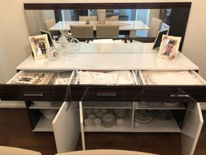 White dining room console with a fashionable mirror for Sale in Pearland, TX
