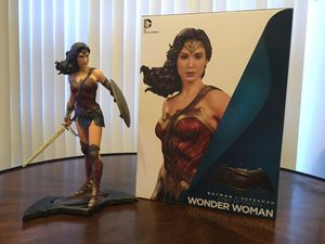 Wonder Woman collectible statue for Sale in Dallas, TX