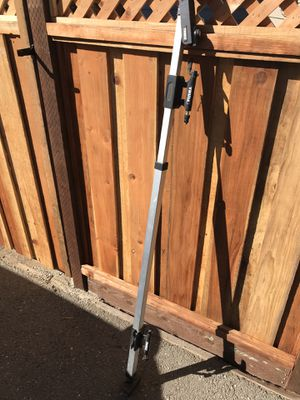 Thule in-bed bike rack for Sale in Los Altos Hills, CA