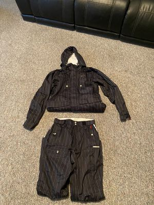 FourSquare snowboard Jacket / Pant Set for Sale in Kennewick, WA