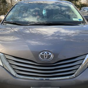 2014 Toyota Sienna for Sale in Smithtown, NY