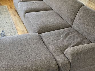 Gray Sectional Couch for Sale in Seattle,  WA