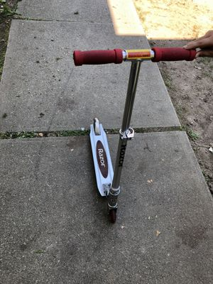 Razor scooter for Sale in Acton, MA