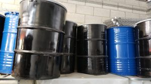 (20) STEEL DRUMS BARRELS WITH LIDS for Sale in Palmdale, CA