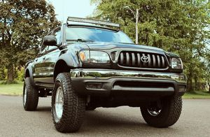 Transmission O3 Toyota Tacoma for Sale in Des Moines, IA
