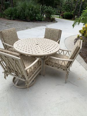 Outdoor Patio Set for Sale in Riviera Beach, FL