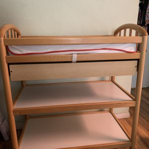 Diaper Changing Table for Sale in Littlerock, CA