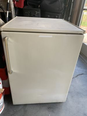 Freezer and refrigerator for Sale in Spring Hill, FL