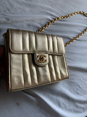 Chanel Gold Shoulder Bag for Sale in Rancho Cordova, CA
