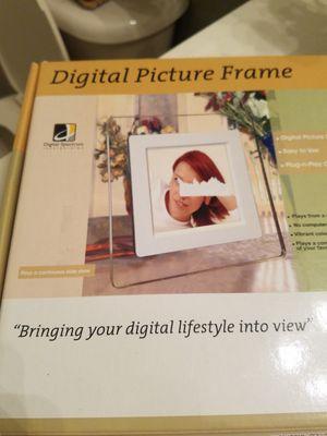 Digital Spectrum NuVue 560 5.6-Inch Digital Photo Player (White) for Sale in Miami, FL