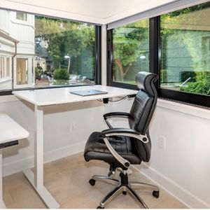 2 Office Swivel Chairs for Sale in Los Angeles, CA