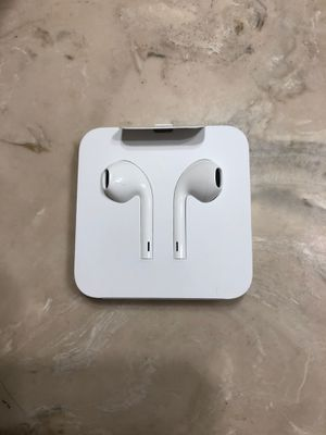 Apple headphones for Sale in Fresno, CA