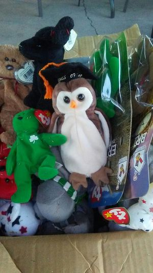 Box of Beanie babies/TY collection for Sale in Phoenix, AZ