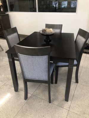 Brand new 5 pc dining set! for Sale in Victorville, CA