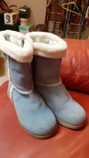 Blue leather bearpaw 10 boots for Sale in Overland Park, KS