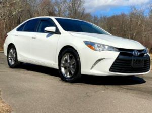 AM/FM Stereo 2015 Camry  for Sale in Los Angeles, CA