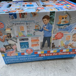 Little Tikes My First Pet Checkup Set - Pretend Play Vet Animal Doctor Play Set With Over 15 Accessories - Brand New - Retails For $60 for Sale in Fort Lauderdale, FL