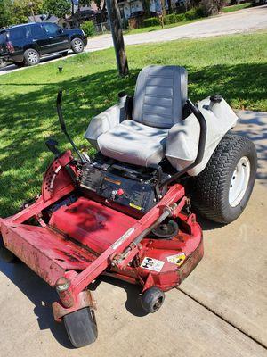 Tractor muy buenas condiciones 44 polgadas for Sale in Dallas, TX