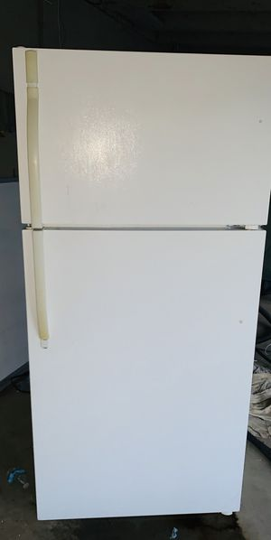 Refrigerator for Sale in Perris, CA