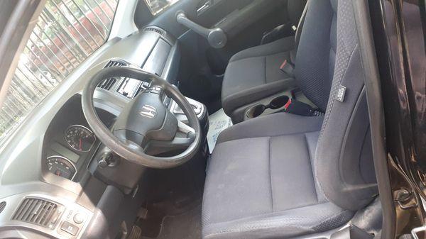2010 honda CR -v titulo limpio excellent condition 98.000 millas $5500