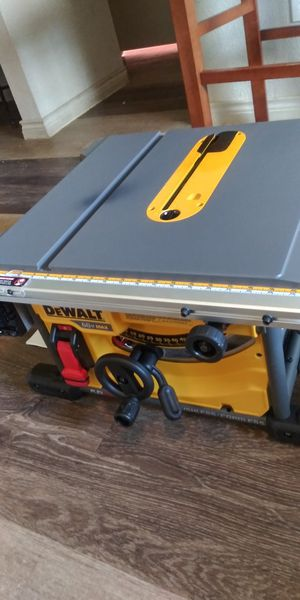 Table saw 60voltflex solo no pila no cargador for Sale in Dallas, TX