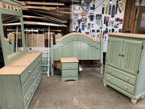 Bedroom set for Sale in Lakewood, WA