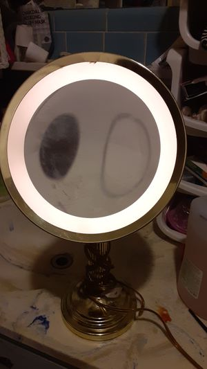 beauty mirror for Sale in Pasadena, TX