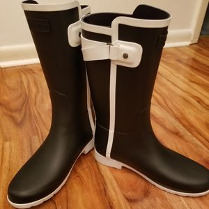 HUNTER REFINED SLIM FIT RAIN BOOT for Sale in Yeadon, PA