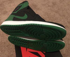 Jordan 1 pine green size 11 for Sale in Fresno, CA