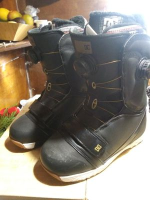 DC mora boa womens snowboard boots for Sale in Denver, CO