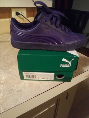 Puma shoes size 3 for Sale in Batesburg-Leesville, SC