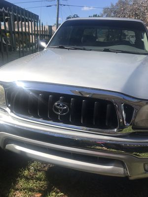 2003 TOYOTA TACOMA PRERUNNER for Sale in Coral Gables, FL