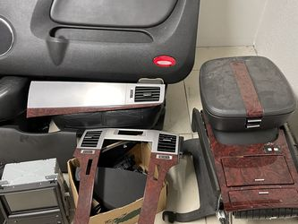 Cadillac Interior Radio Dash Door Panels And Seats for Sale in Lake Worth,  FL