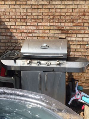 Propane grill for Sale in Versailles, KY