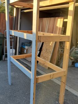 4 Wood Shelves FREE for Sale in Monrovia,  CA