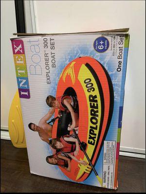 Intex Explorer 300 Inflatable Boat. Bote para 3 personas. for Sale in Compton, CA