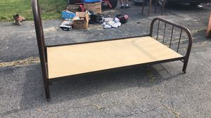 Antique twin bed frame for Sale in Delaware, OH