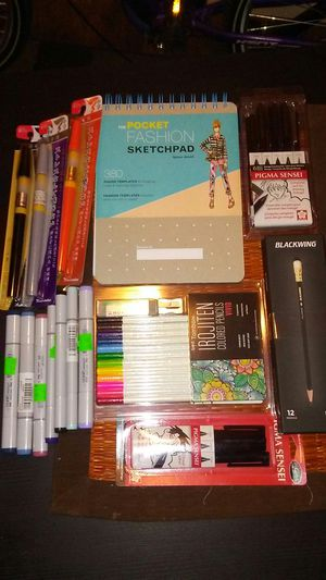 Assorted art supplies for Sale in Austin, TX
