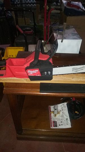 Milwaukee chainsaw m18 fuel for Sale in Salida, CA