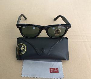 Ray ban black wayfarer sunglasses for Sale in Washington, DC