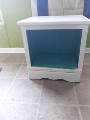 pet bed and end tableP for Sale in Riverdale, GA