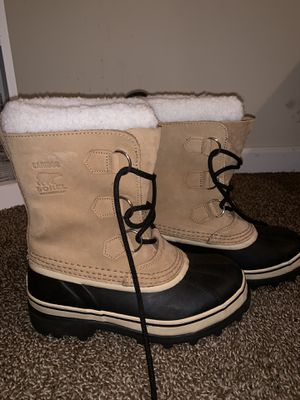 Sorel snow boots size 6 for Sale in Philadelphia, PA