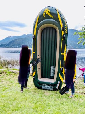 Intex Seahawks 4 person inflatable boat + life jackets for Sale in Redmond, WA